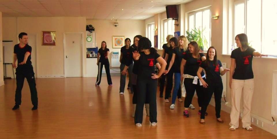 Teaching-the-Thriller-routine-1